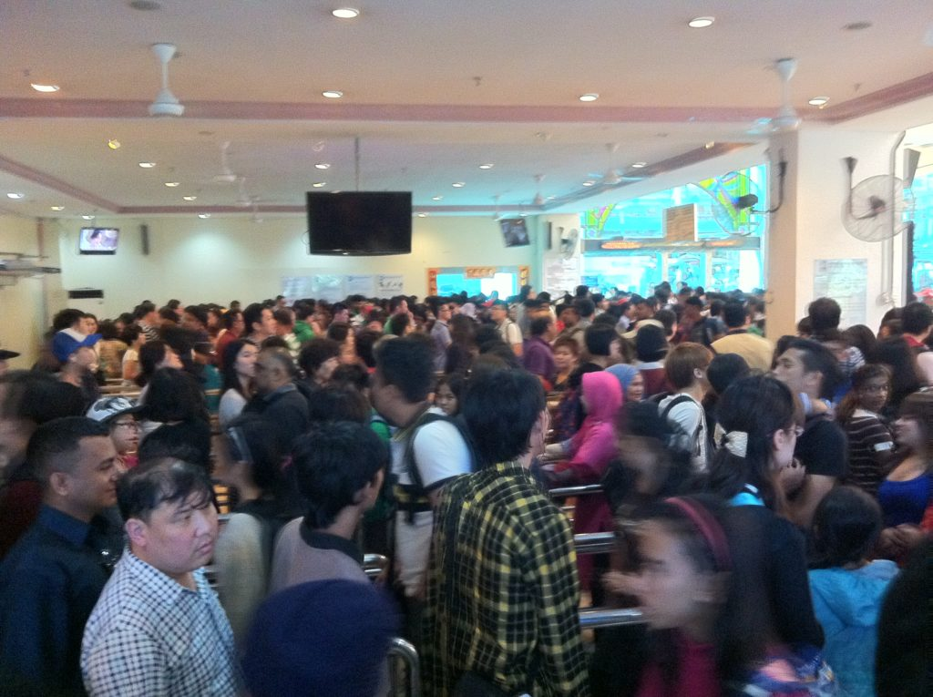 Queue to Genting SkyTrain.