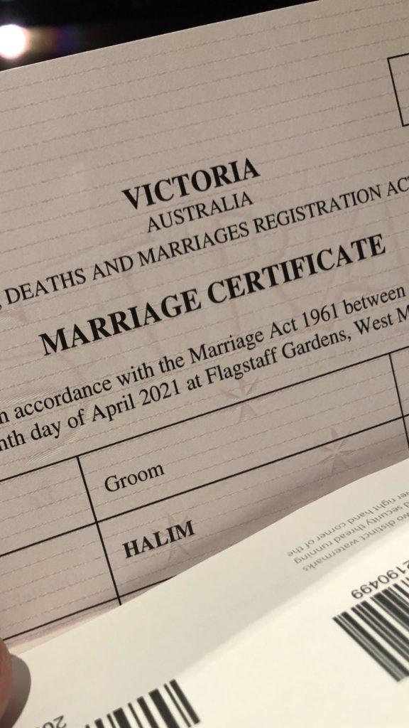 Sertifikat pernikahan.